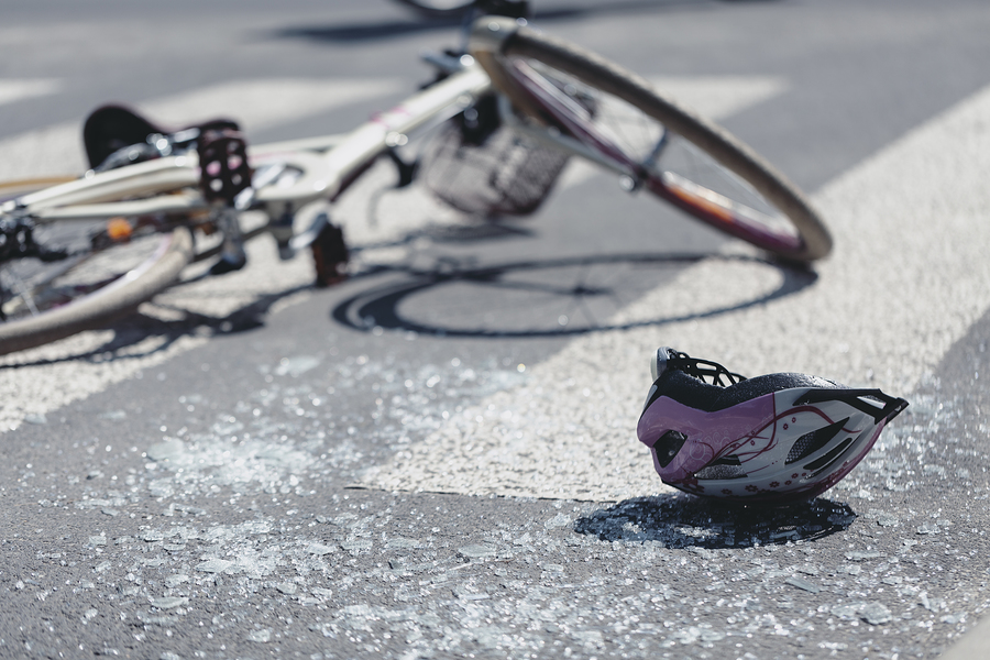 Bicycle accident and helmet